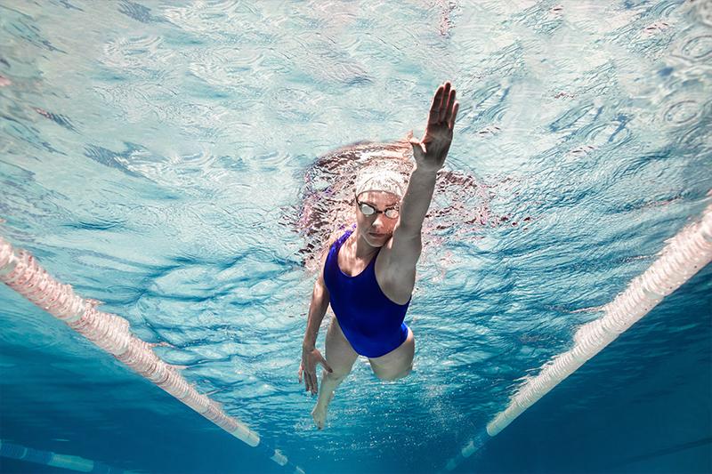 Da, poți lua lecţii de înot și când eşti adult în toată firea!