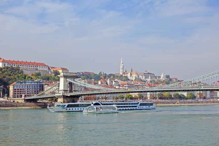 Podul cu lanțuri - Budapesta - Între noi fie vorba - Ana Elisabeta Beliu