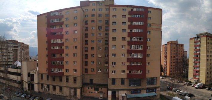#stauacasă // Cum se vede, de la etajul 5, pandemia de Covid-19