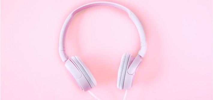 Tu ce podcast mai asculți? Uite câteva sugestii de conținut audio tare bun!